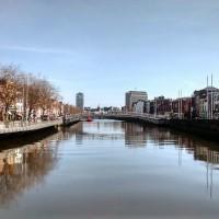 Der charakteristische Fluss Liffey in Dublin