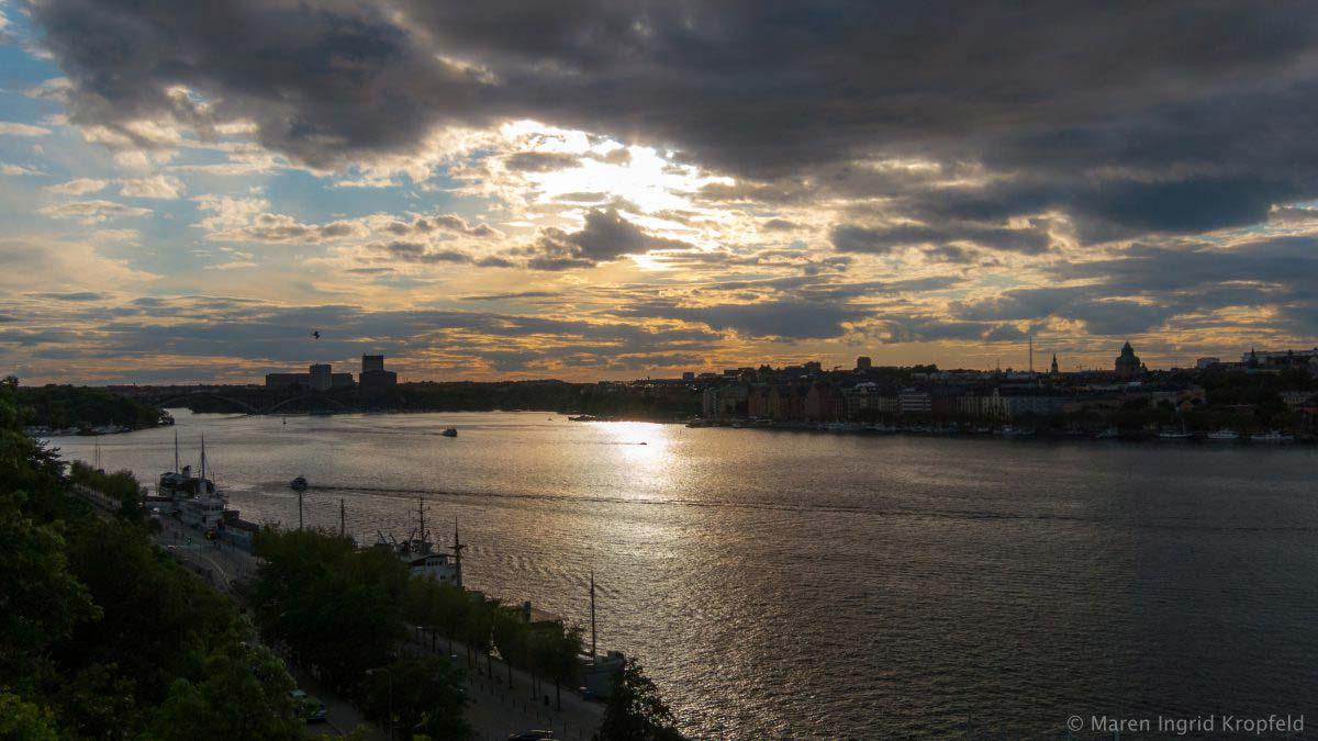 Zehn Tipps für einen Tag in Stockholm: der Monteliusvägen im Abendrot