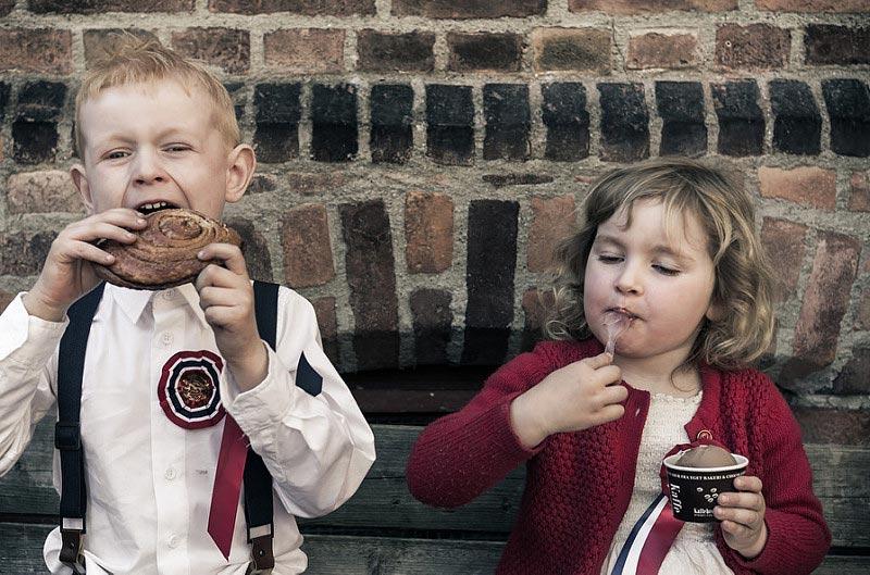 Kinder am norwegischen Nationalfeiertag