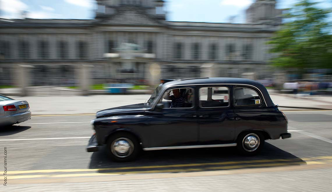 Black Taxi Belfast