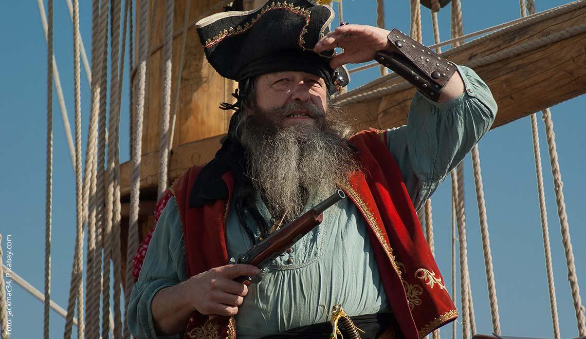 Pirat genießt ein bisschen Karibik