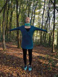 Yoga-Übung Schultergruß Teil 1
