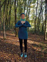 Yoga-Übung Schultergruß Teil 2