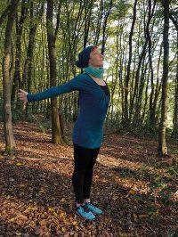 Yoga-Übung Schultergruß Teil 3