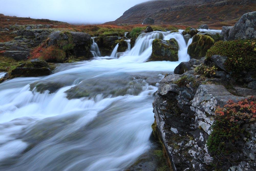 Island: Berühmt für seine Wasserfälle